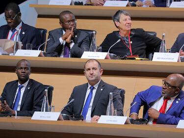 Радев в Париж: Не можем да се преструваме, че климатичните промени не са проблем