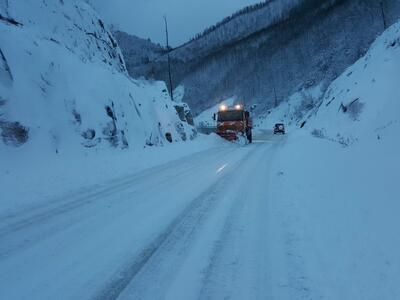 Затворени пътища няма, в някои проходи не се допускат камиони