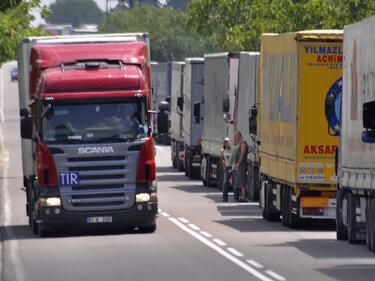Без тежки камиони по пътищата за голямото пътуване