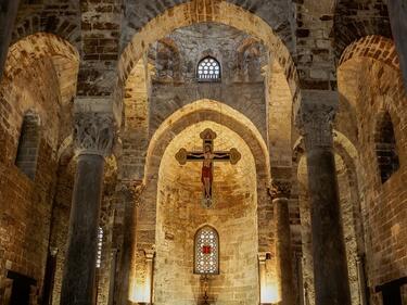 Първа църковна празнична служба в Мосул от изтласкването на джихадистите