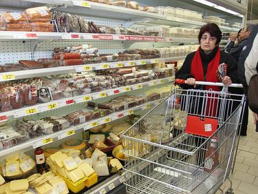 Храните няма да поскъпват, обещава държавата