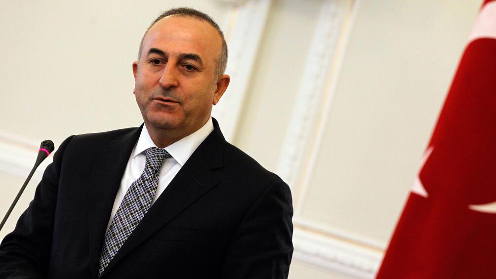 Турският министър на външните работи Мевлют Чавушоглу подложи на критика