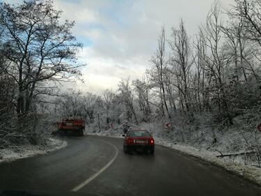 Спират ТИР-овете през планински проход заради идващия сняг