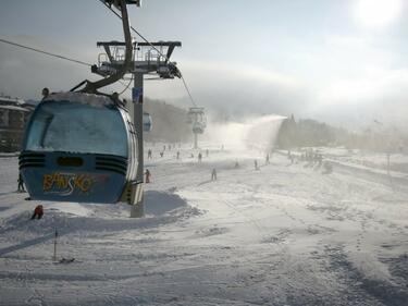 Вятър от 130 км/ч спря лифта на Банско