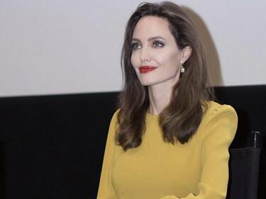 Анджелина Джоли заведе децата си да разгледат Лувъра