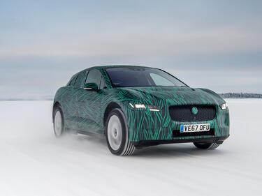 Jaguar пуска електричка, която не се плаши от сибирски студ (СНИМКИ/ВИДЕО)