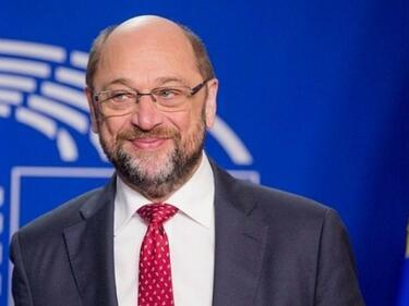Мартин Шулц няма да става подчинен на Меркел