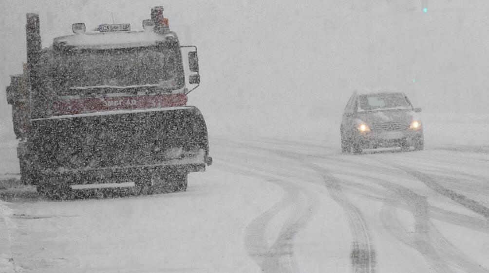 В района на Смолян валежите от сняг не спряха през