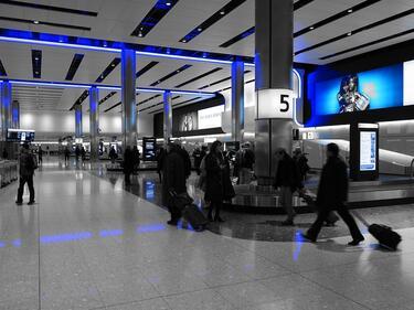 Разследван за тероризъм работи на летище в Лондон