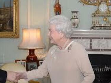 Тайно подготвят наследник на Елизабет Втора