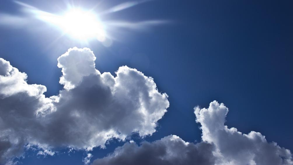 Днес в сутрешните часове ще преобладава облачно време и на