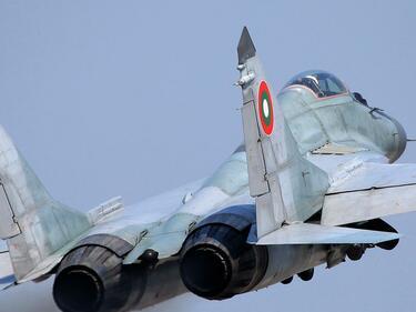 Решено: Русия отново ще ремонтира истребителите ни