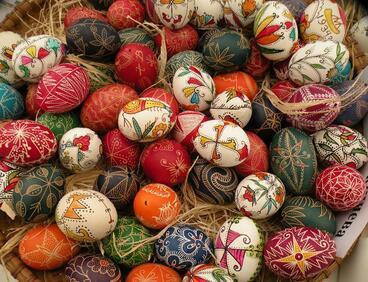 Безплатни ателиета за писане на великденски яйца в НИМ
