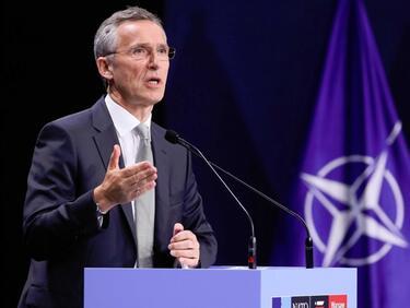 НАТО пас за напрежението между Атина и Анкара
