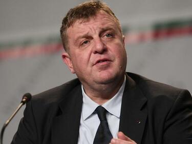 Борисов и Каракачанов са били информирани за ударите в Сирия, Радев - неясно