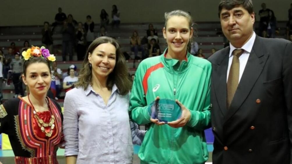 НационалкатаАлександра Георгиевапопадна в идеалния отбор на Европейското първенство под 17