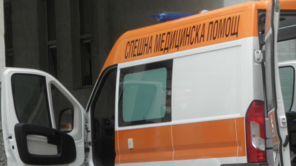 Военен автомобил УАЗ се обърна на АМ Тракия след удар