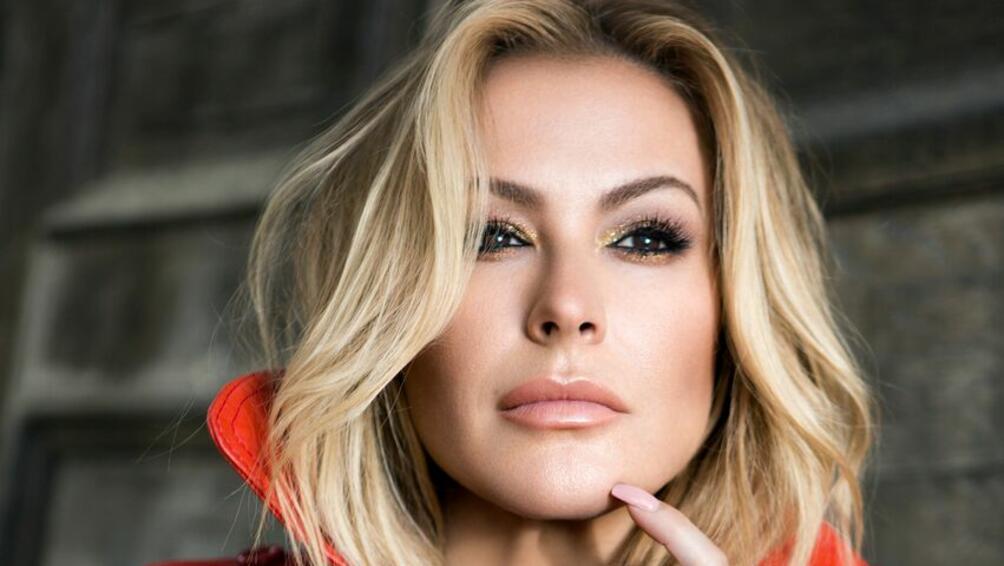 Европейското турне на поп звездата ANASTACIA стартира преди броени в