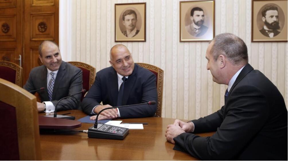 Президентът Румен Радев и заместник-председателят на ГЕРБ Цветан Цветанов отново