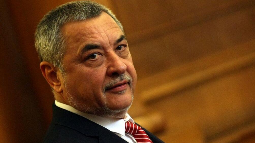 Заместник министър-председателят по икономическата и демографската политика Валери Симеонов ще