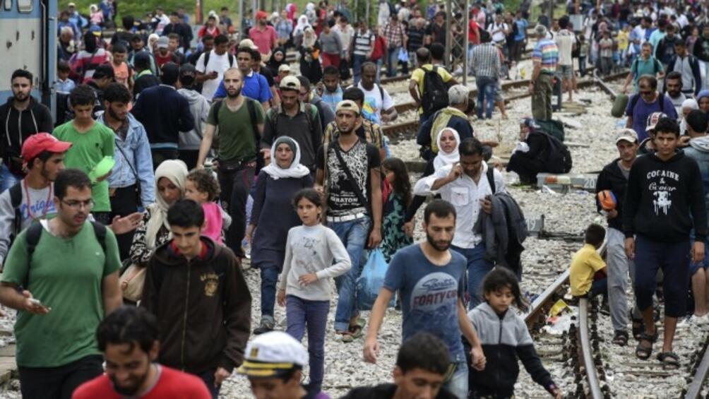 Около 50 000 мигранти чакат на Балканите, което изисква действия