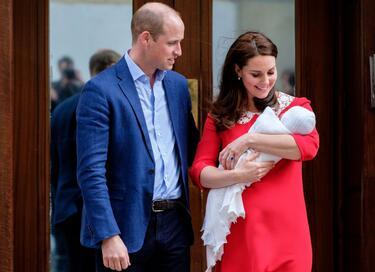 Третото дете на Уилям и Кейт се казва Луис Артър Чарлз