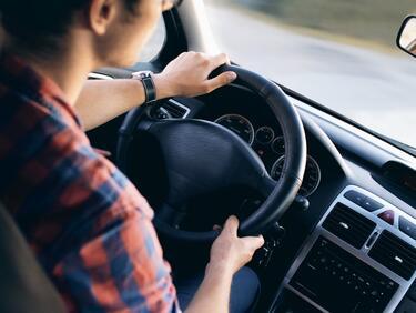 """3 500 се включиха в кампанията """"Най-добър млад шофьор на България""""."""