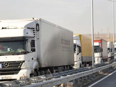 Без камиони по основните пътища утре след 16:00 ч.