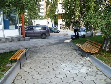 В София поставят 12 пейки с формата на букви от кирилицата