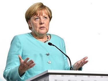 Меркел в един глас с Макрон: Не е реално 2025 г. Западните Балкани да са в ЕС