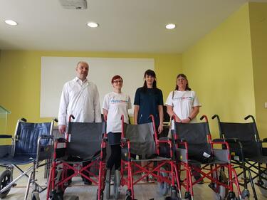 "Британски затворници реновираха инвалидни колички за ""Пирогов"""