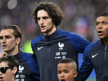 Скандал разтресе френския национален отбор преди Мондиала