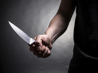 Пиян мъж заплаши деца с нож