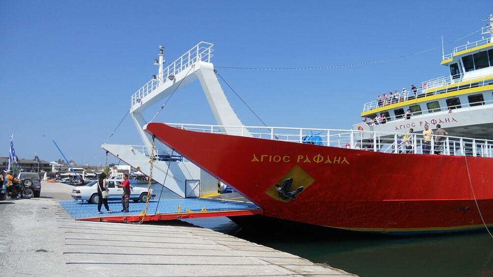 Общо 350 души за работа на круизни кораби търсят от