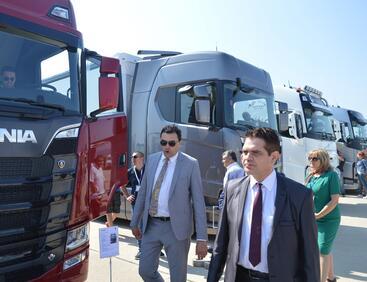 Преговаряме за сглобяване на камиони и автобуси у нас