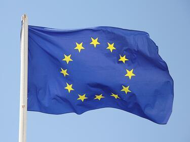 В България и в Люксембург вярват еднакво на ЕС