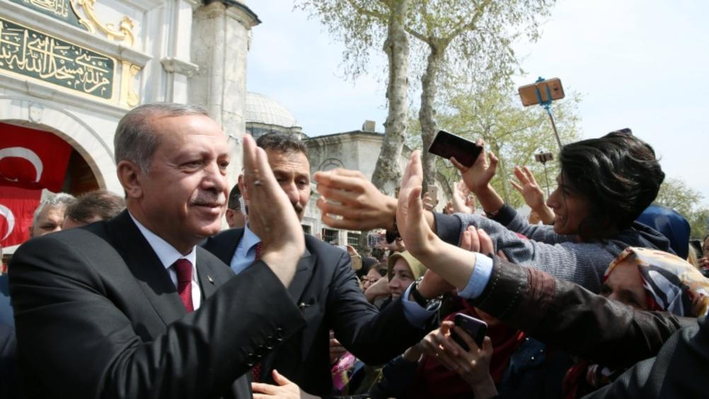 Масови демонстрации в Турция преди утрешния предсрочен вот. Днес опозицията