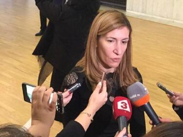 Министър Ангелкова провери плаж Перла