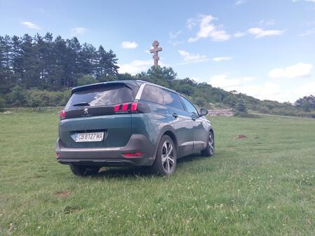 Голямото Peugeot за големи пътешествия (СНИМКИ)