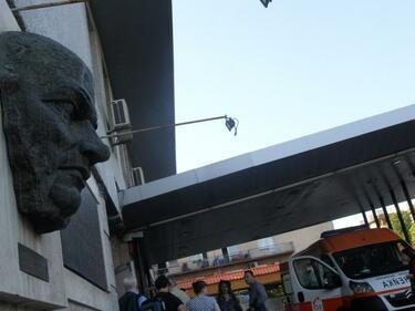 """Удареният от ток се бори за живота си в """"Пирогов"""""""