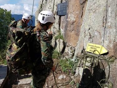 Алпийските ни военни на специална 5-дневна подготовка