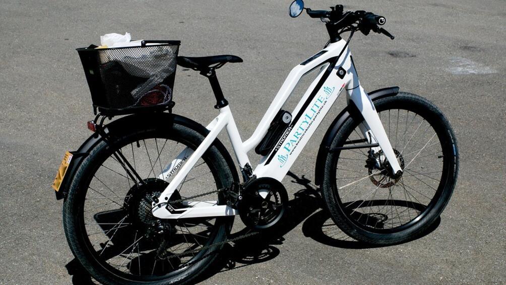 Снимка: Първата система за споделено ползване на електрически велосипеди в София