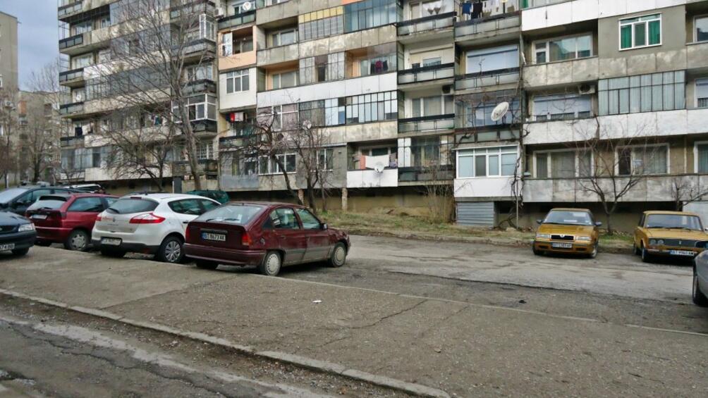 Снимка: Тестват три месеца нощен служебен абонамент за паркиране в София
