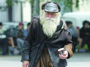"""""""Сдружение Азбукари"""" започна кампания за изграждане на """"Монумент Дядо Добри"""