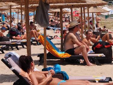 Пуснаха конкурс за концесионери на три плажа