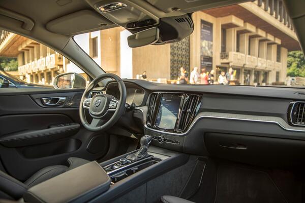 Новото Volvo V60 вече и в България (СНИМКИ/ВИДЕО)