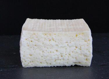 Производители искат пълна забрана на сиренето с палмово масло