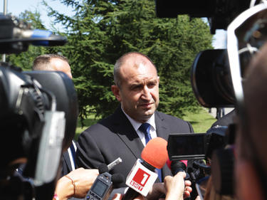 Румен Радев посрещна първите посетители в президенството в Деня на отворените врати