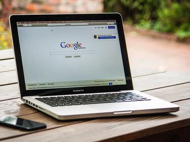 Екс шеф на Google: Интернет ще се раздели на две