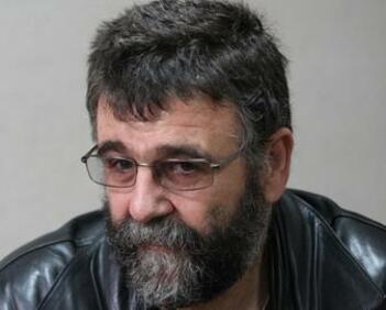 """Христо Стоянов: """"Пърформансът"""" в НХГ - липса на ценностна система"""